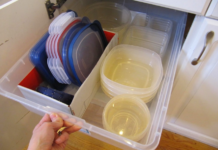 How to Remove Bad Smells from Plastic Containers